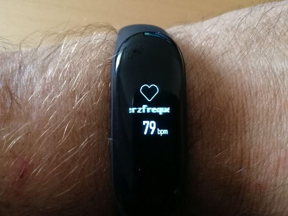 Herzfrequenzmessung mit Fitness-Amband